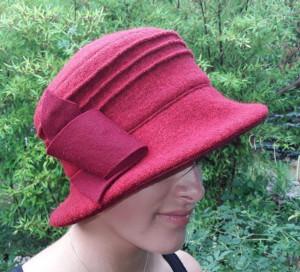 Hut Rot mit Biesen